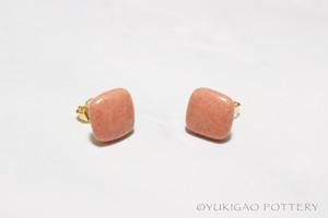 磁器のピアス【Beige Pink】
