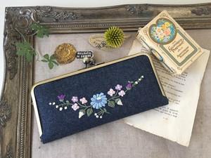 刺繍のがま口長財布(デニム・クレッセント)