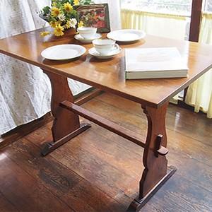 イギリスのアンティーク家具、小ぶりなカフェテーブル