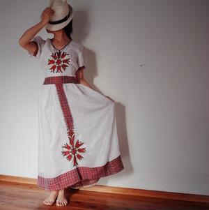 エチオピアの手織りドレスとナタラのセット
