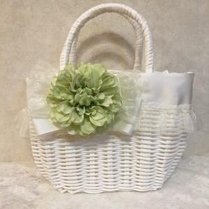 フリルとリボンのカゴバック ホワイトお花