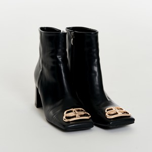Crest Toe Boots
