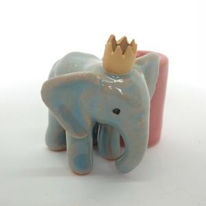 陶のスタンド「ゾウの王さま」