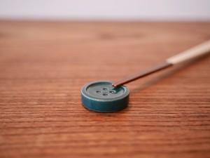 ボタンの箸休め / モスグリーン / 箸置き / 陶器 / 器