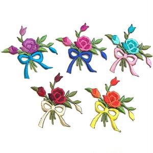花束のワッペン(お花1つと蕾)