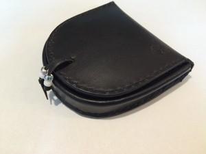 馬蹄型コインケース 革:黒 糸:黒