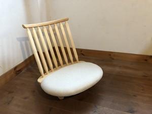 ゆらゆら座椅子、座面が白、木部はヒノキ、クリヤオイル塗装