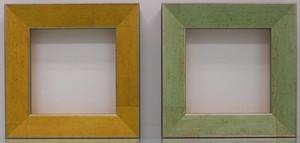 額縁アンティークおしゃれフレーム左C-22008黄色(側面黒)右C-22007緑(側面黒) 額縁寸法100mm×100mm/窓枠寸法86mm×86mm 2mmアクリル/裏板付/ 壁掛け用/箱なし/卓上用スタンドは、付いておりません