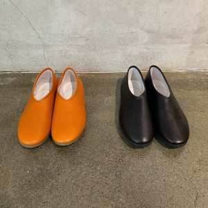 【COSMIC WONDER】Naturally tanned leather folk shoes / 09CW64010-1