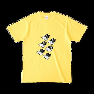 黒猫さんのお昼寝(黄色Tシャツ)
