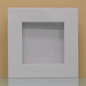 キャンバスサイズ100mm×100mm×20mmが入るフレームホワイト1836白額縁寸法104mm×104mm窓枠寸法90mm×90mmアクリルと作品間5mm
