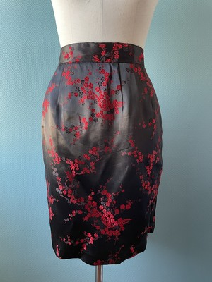 black × red  china skirt