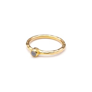 SINGLE PETIT STONE NON-ADJUSTABLE RING 082