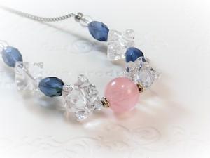 「氷の涙」天然石ネックレス