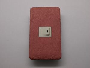 【正絹】 薄紅に南天 1個用スイッチプレート