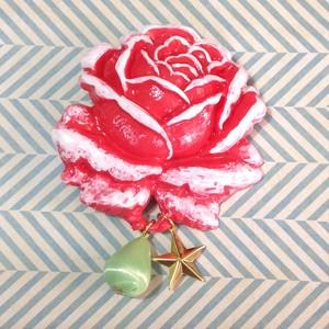 622 大きな薔薇の帯飾り(ブローチ)レッド