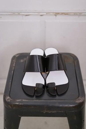 Maison Margiela /  tabi leather sandal(black)