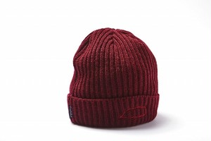 HOLE AND HOLLAND BALOON BEANIE / WINE