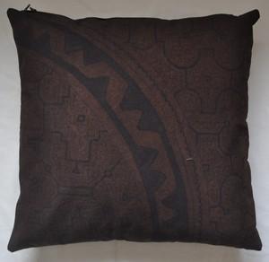 クッション45x45cm-44両面 黒 草木染め アマゾン・シピボ族の泥染め レア