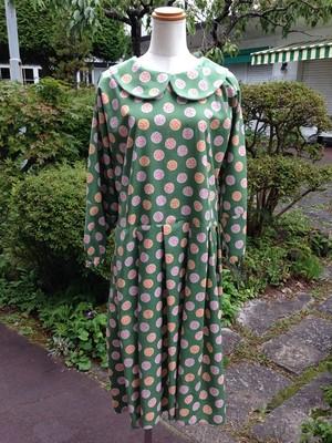 【Hannah】大人の可愛さを演出するローウエストの丸襟ブラウスワンピース(樹・緑)