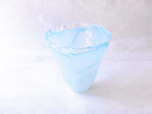 日本製 手づくりガラス 花器 泡ブルー