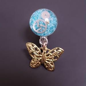〈glass series〉ブルーと蝶のイヤリング