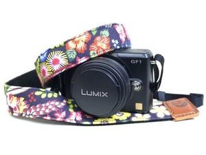カメラストラップ 3㎝巾 ミラーレス&一眼レフカメラ用 片面 紅型デザイン 花咲く庭 夜