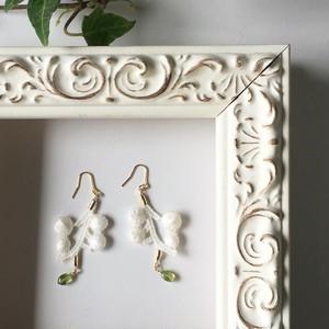 【8月の誕生石】White cotton branch with Peridot