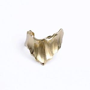 conoa (コノア) 氷山の指飾り gold