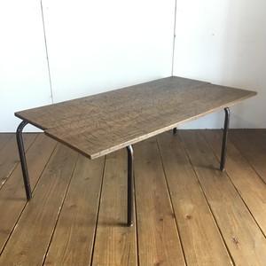 古い鉄脚とラワン合板のローテーブル