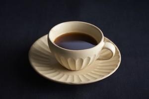 太しのぎミニカップ&ソーサー(クリーム)