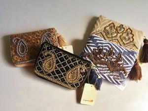 【残3】Laperre タッセル付きビーズ刺繍アクセサリーポーチ