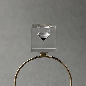 キュービックジルコニア 指先に浮かぶリング ゴールドカラー(ギフト, 誕生日プレゼント, ギフトラッピング, 結婚式, お呼ばれ, フリーサイズ)