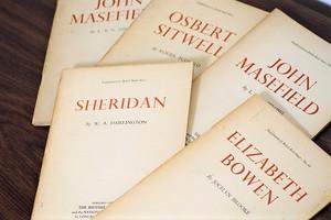 ELIZABETH BOWEN -5set-