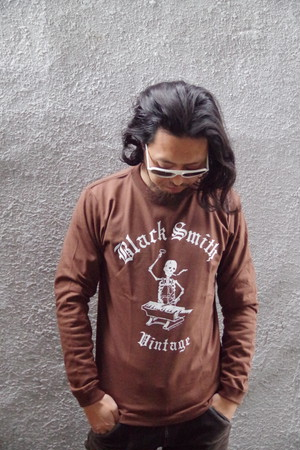 Black Smith ORIGINAL LONG SLEEVE T-Shirts(Brown)