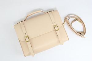 JAPAN LANSUI DESIGN 名入れ対応 ヌメ革手作り手縫い ショルダーバッグ トートバッグ リュック 品番FJFU8DDNE0D