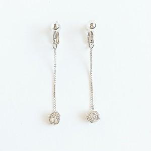 チェロ弦のシルバーワイヤーボールロングイヤリング Cello silver strings Venezian chain earring