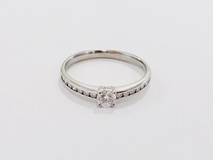 【カープ優勝記念SALE】婚約指輪に! PT900 トータル0.37ctダイヤモンドリング