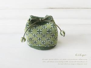 和柄がかわいい ミニミニビーズ編み巾着(かわり米市松柄)