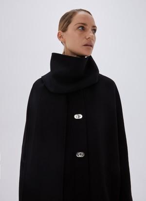NO-COLLAR COAT