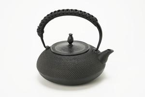 南部鉄器 鉄瓶 IH平丸アラレ 革ハンドル仕様 1.2L