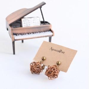 アンティークピアノ弦のワイヤーボールイヤリング  Piano strings ball earring
