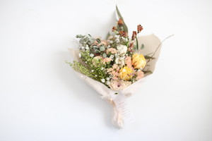 花とお家じかん かすみ草とスターチスの布ブーケ 4