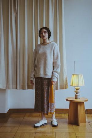 YUKISHIMANE Boa Blocking Sweater white