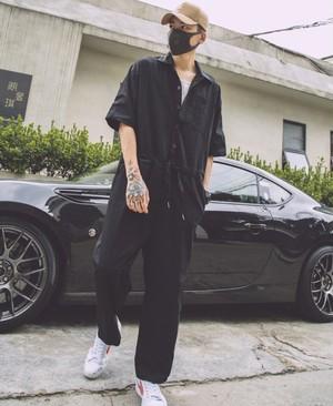 メンズ半袖ジャンプスーツ。黒/カーキ/ベージュ3カラー