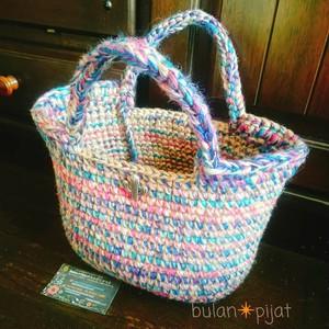 麻ひもとレインボーカラー糸のぷっくりアジアンかごバッグ