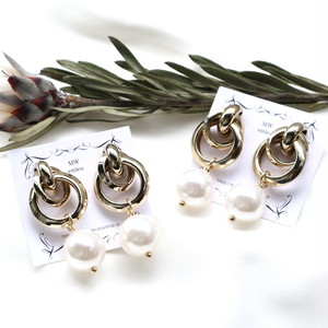 double ring pearl pierce