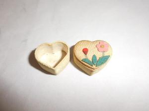 ミニュチアハート箱 miniature heart box