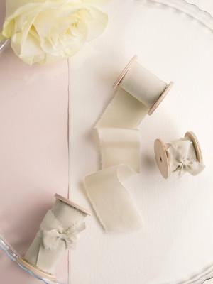 Champagne Silk Ribbon(手染め手裂きタイプ) ■木製スプール付 シルクリボン シャンパン