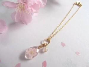 桜のしずくのブレスレット